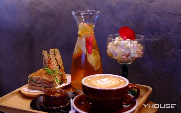 下午茶A套餐,建议2人使用,可免费使用包间,提供免费WiFi