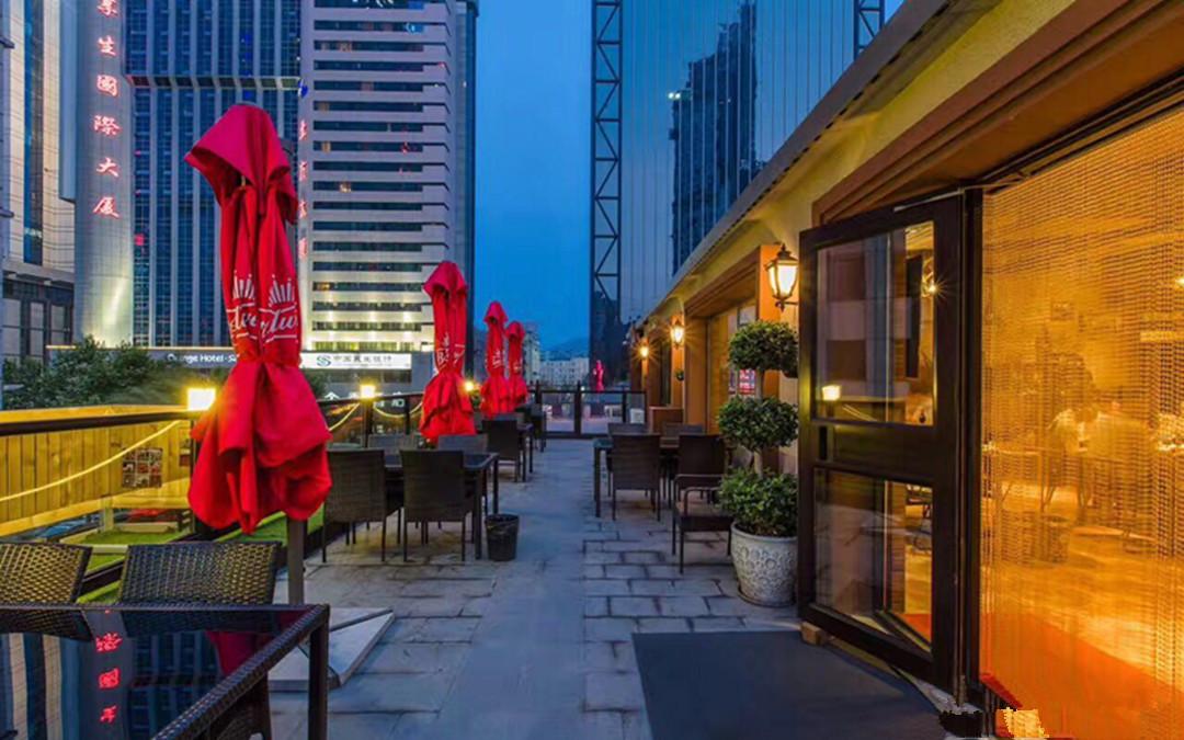 欧式中古风格的现代休闲餐厅