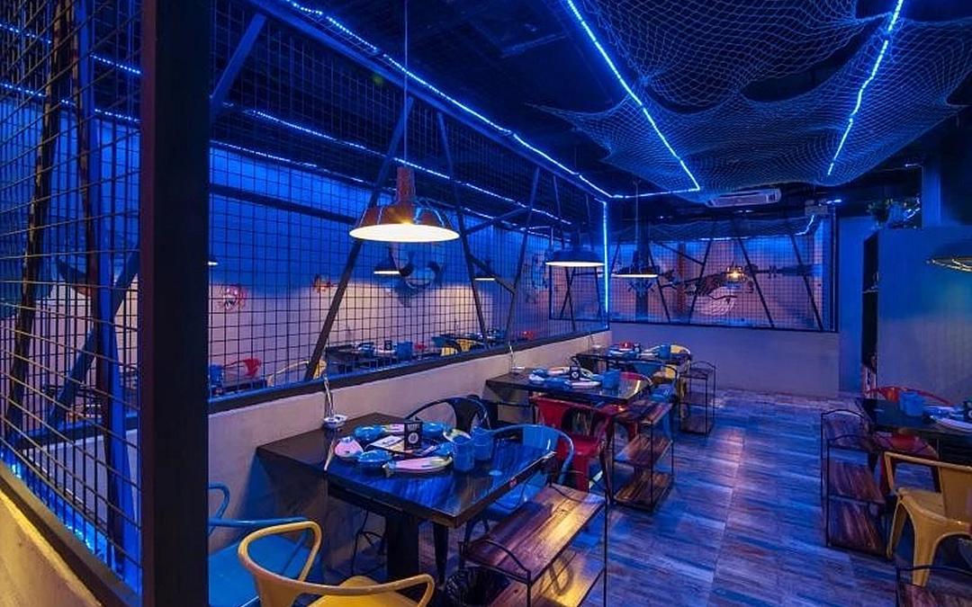海洋主题酒吧式鱼火锅店
