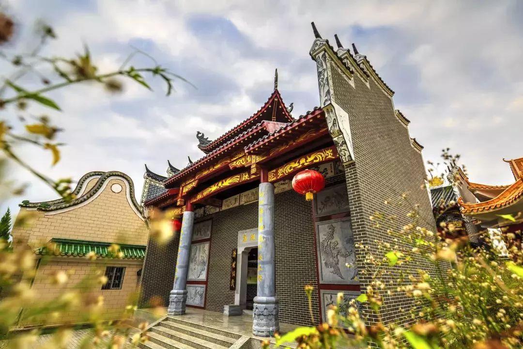 珠玑古巷民俗表演 时间:春节黄金周 地点:韶关南雄珠玑古巷景区 内容