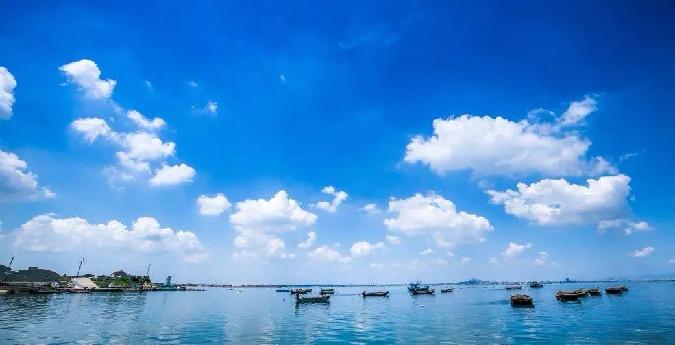 阳光与沙滩,蓝天与碧海,长达16公里的原生态海岸线,最美丽的海湾,最