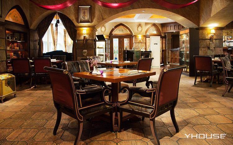 颐中皇冠梦拉诺意大利餐厅