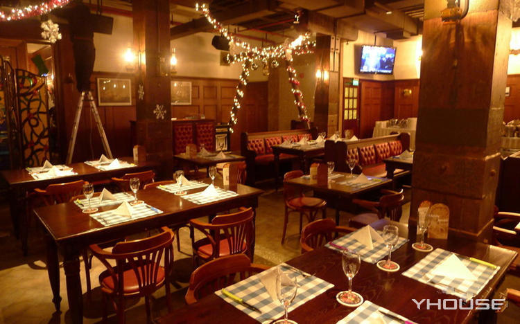 外滩浦华大酒店老船长酒吧·西餐厅