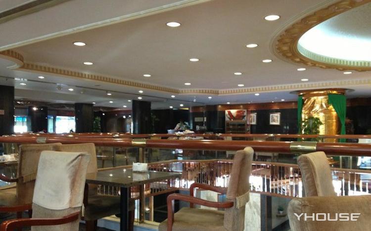 昆明饭店自助餐厅