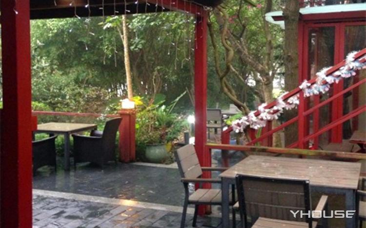 西树林咖啡厅