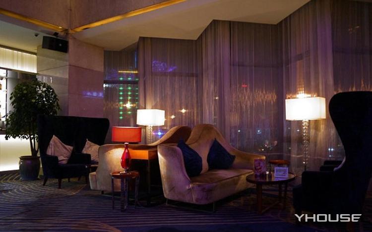 Vertigo Lobby Lounge