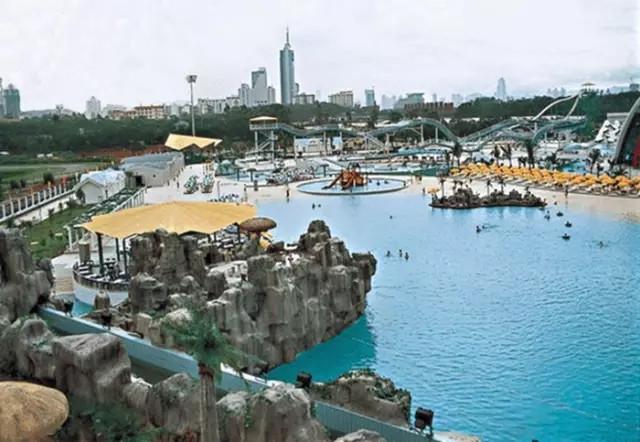 深圳南澳鑫海度假村位于深圳的东南面,大鹏半岛终端.