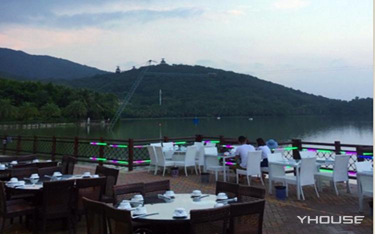 维景国际度假酒店湖畔咖啡厅