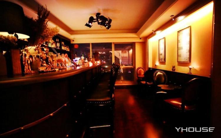 Knight 魔术酒吧